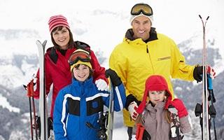 den Kindern in den Skiurlaub - so hat die ganze Familie Spaß