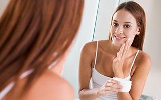 Die richtige Gesichts- und Körperpflege