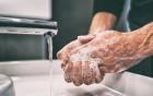 strapazierte Hände richtig pflegen