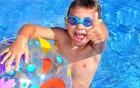 Schwimmbad-Otitis schnell behandeln lassen