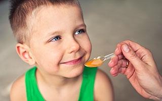 Medizin muss bitter schmecken? Honig beweist das Gegenteil!