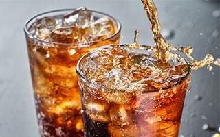 Softdrinks treiben den Cholesterinspiegel in die Höhe