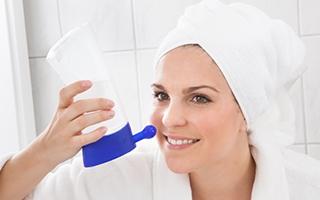 Nasenspülung mit Salzwasser hilft!