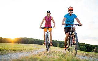 Wir empfehlen bei Osteoporose: Sport und Vitamin D